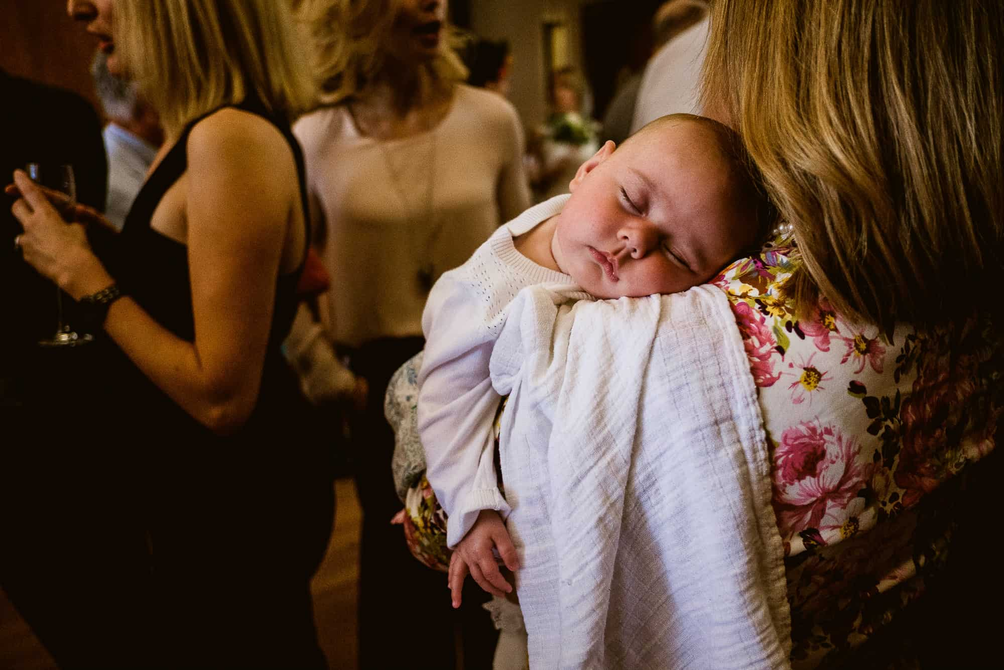 bethnal-green-town-hall-hotel-wedding-photography-0039