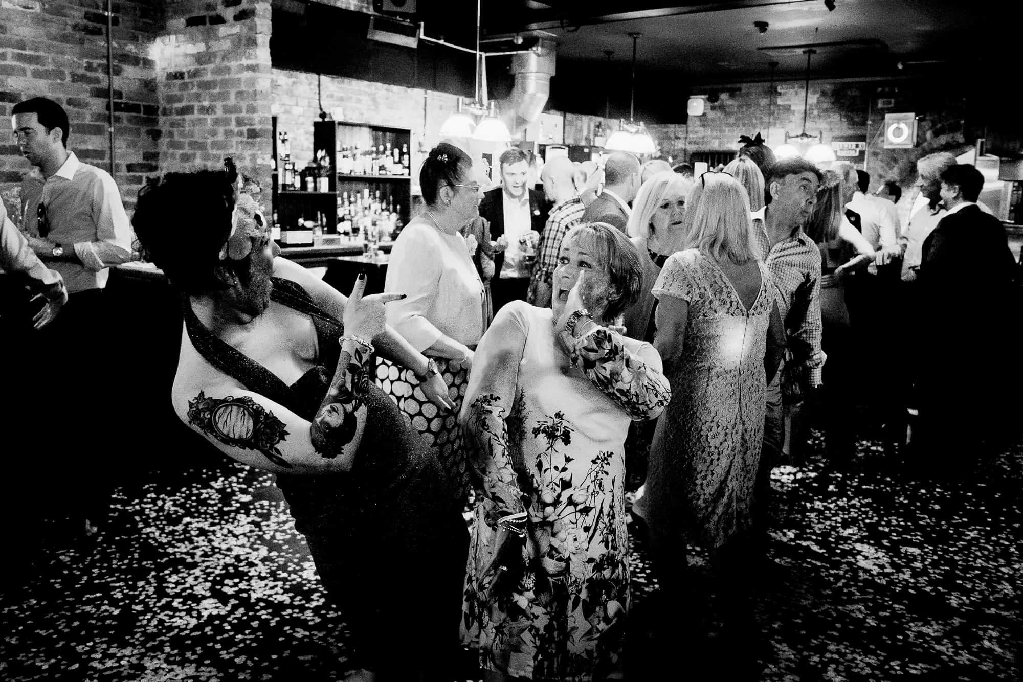 bethnal-green-town-hall-hotel-wedding-photography-0097