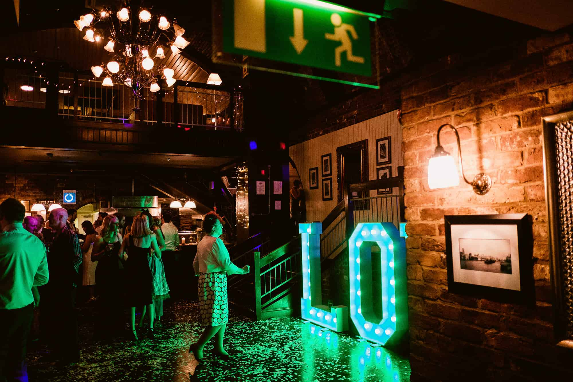 bethnal-green-town-hall-hotel-wedding-photography-0098